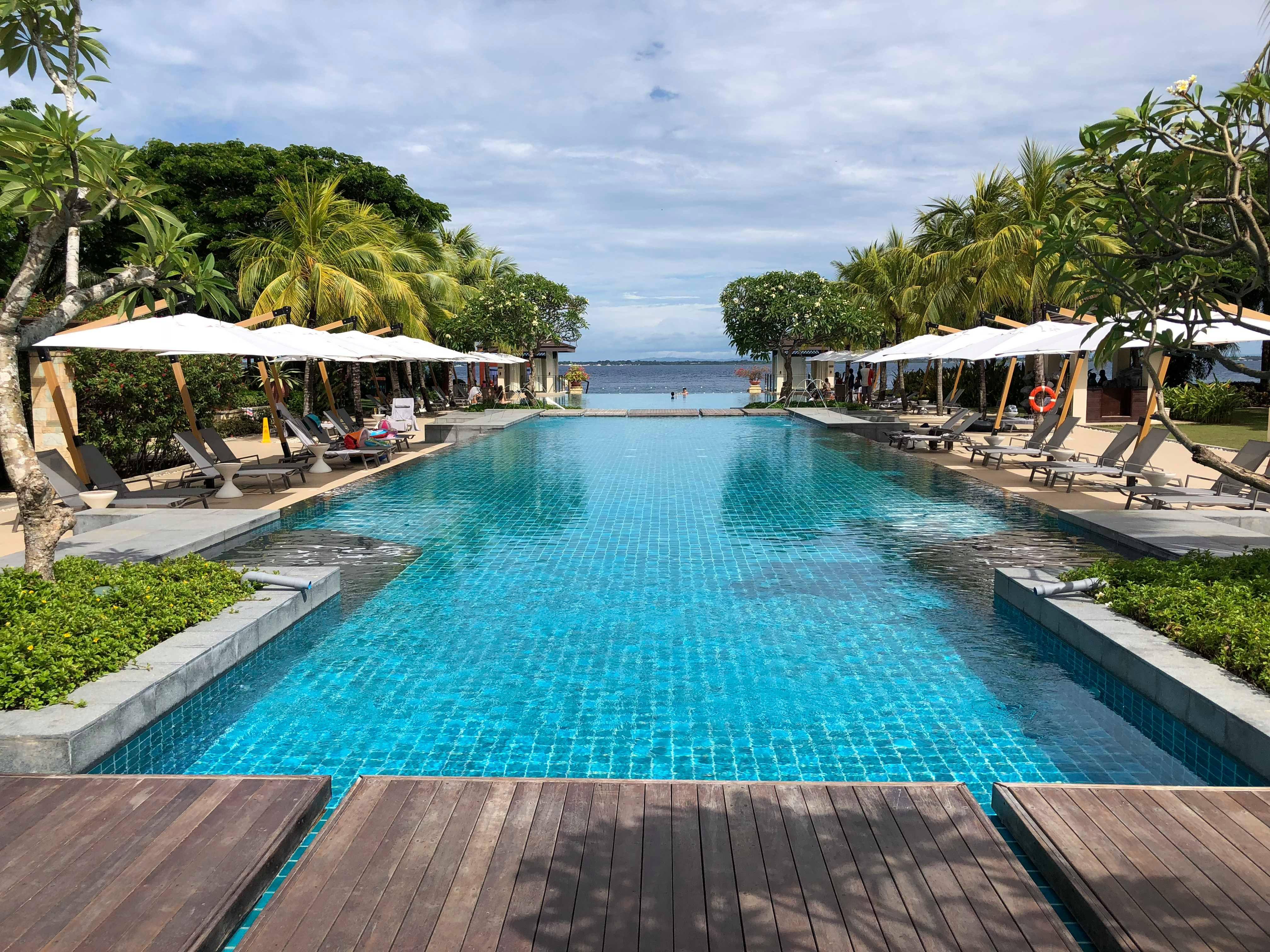 セブ島のリゾートホテル「クリムゾンリゾート&スパ」のデイユースを満喫しよう