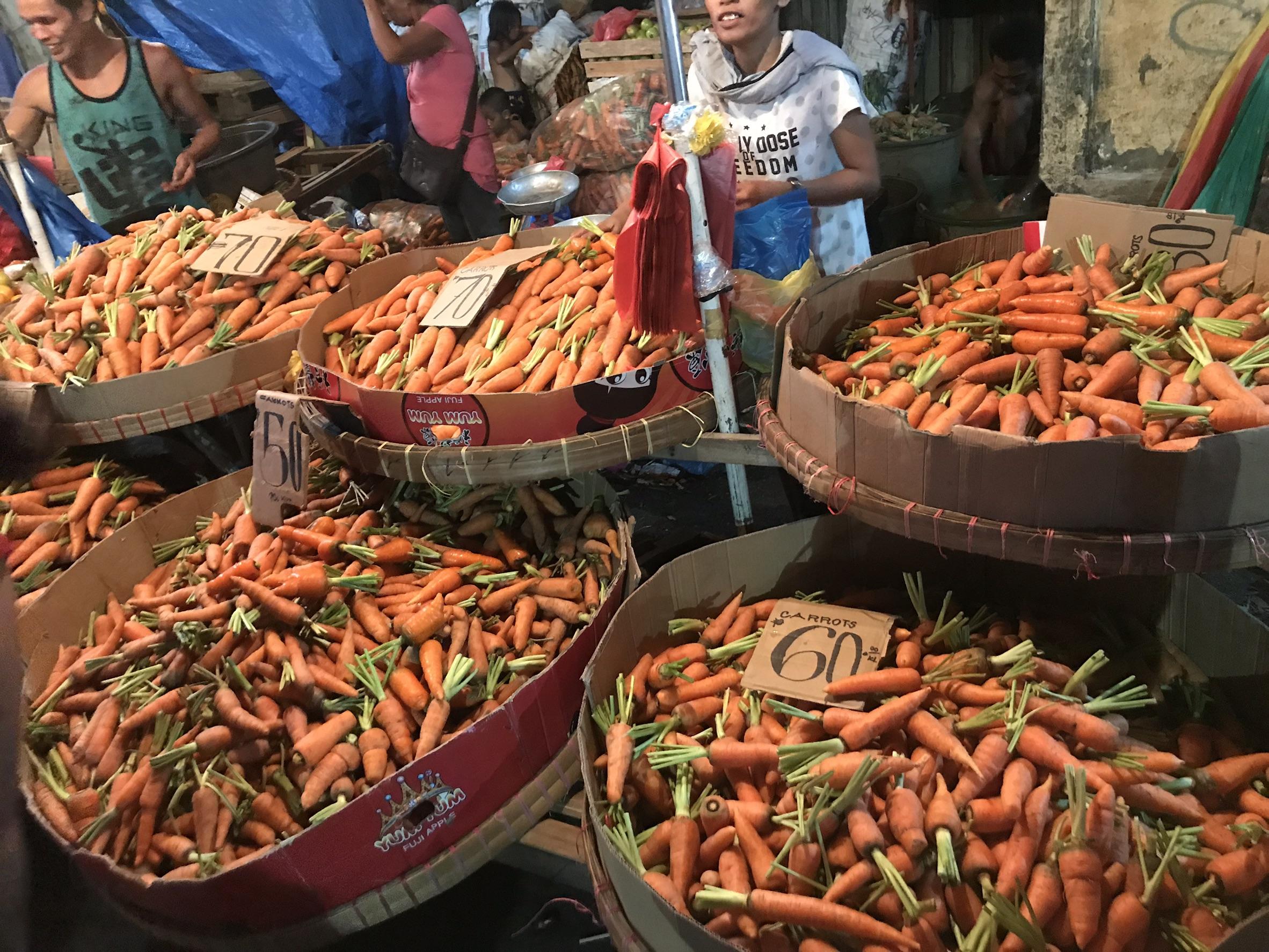 セブシティ最大の市場「カルボンマーケット」へ行ってきました!
