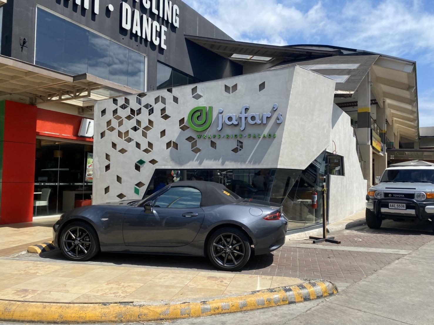 シャワルマで人気のお店「Jafar's」がリニューアルオープン!